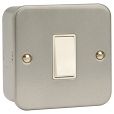 Click CL011 Single Switch 1Gang 2Way & Box 10A Metal Clad