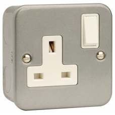 Click CL035 Switched Single Socket 1Gang DP 13A Metal