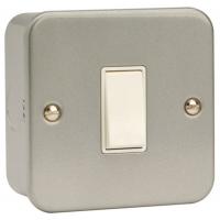 Click CL025 Switch 1Gang Intermediate & Box 10A Metal Clad